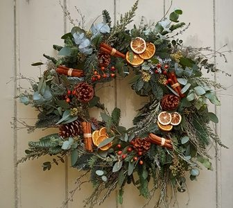 Wreaths, garlands and table centres