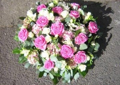 pink rose posy tribute